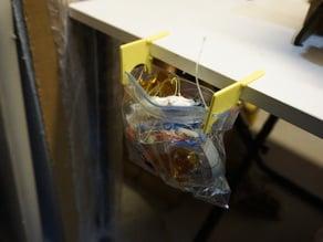 Table Trash Bag Clips V2