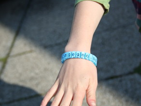 Customizable flexible name bracelet - full version