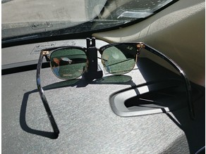 Sunglasses mount for car dashboard
