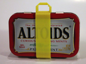 Little Handle for an Altoid Tin