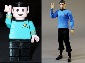 Vulcan salute (Spock Giant Lego Minifig)