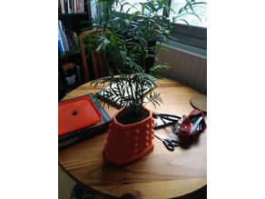 Dalek Plant Pot All in One (Plate, hole and channeling)