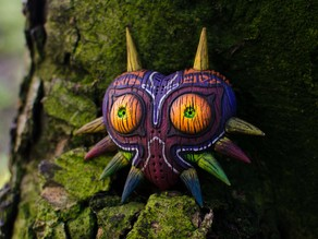 Majoras Mask HD model with Woodgrain