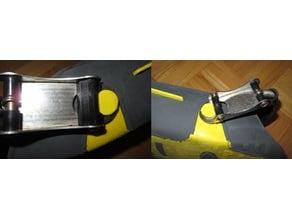 Scuba fin metal heel strap fix