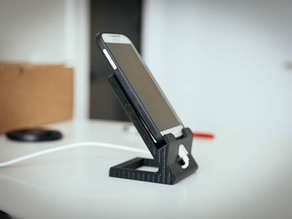 Standard smartphone dock