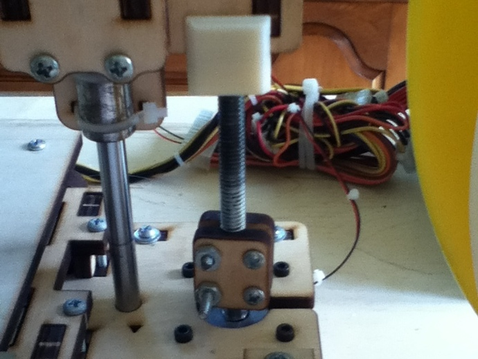Printrbot offset z axis nut:Less Wobble!