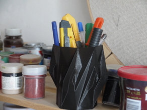 spiked pencil box
