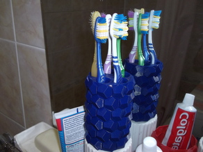 Music vase for toothbrush