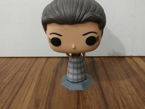 Outlander Claire Fraser Funko Pop Stand - 2 versions