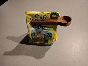 Coffee measuring spoon and bag clip