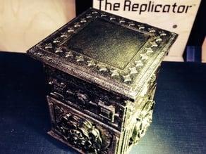 Decorative top piece for The Tudor Rose Box