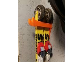 Rulleskiholder (Roller ski wall mount)
