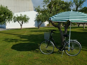 Beach umbrella holder for your bike