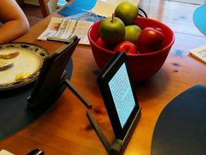 Adjustable Kindle stand
