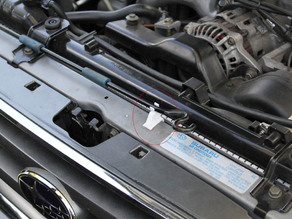 2004 Subaru Forester Bonnet Stay Clip