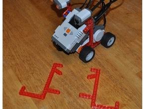 Lego Mindstorms compatible brick for robot frame