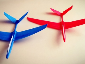 Sabre Next Generation hand / rubber band launched glider