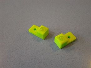Retainer clip for inset glass