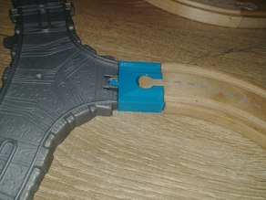 Wooden to plastic train track converter
