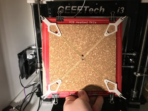 Customizable(in Onshape): Cork / Insulation Holder for Heated Bed