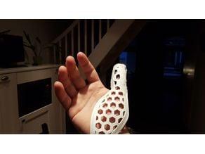 Thumb brace hexagon