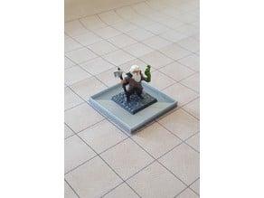 Large base to hold enlarged medium sized mini