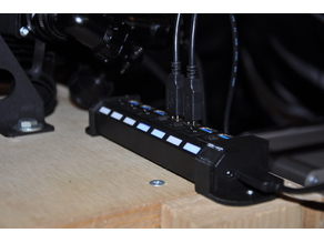 7 port USB hub with on/off switches mount