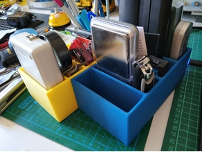 Small organizer box for desk top