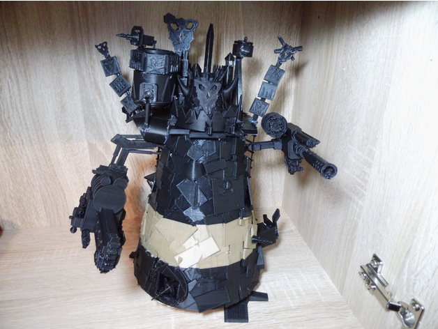 Warhammer 40 k - 28 mm scale ork stompa - fan made by frederique555