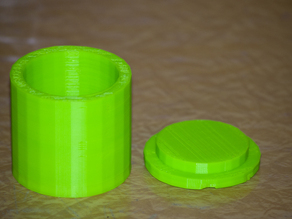 Sturdy storage canister with friction lid.