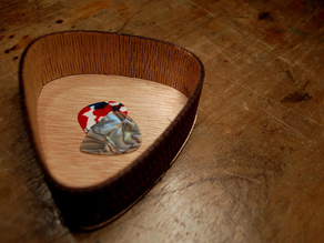 Curved Guitar Pick Box