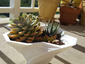 Vase planter geometric