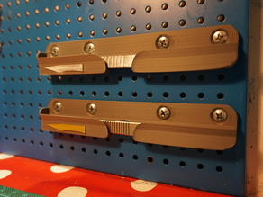Scalpel holder (pegboard or wall mounted)