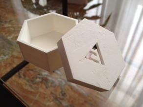 Parametric Polygonal Lidded Box With Logo