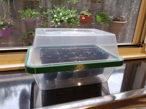 Takeaway container mini greenhouse connector