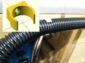 Vac hose clip