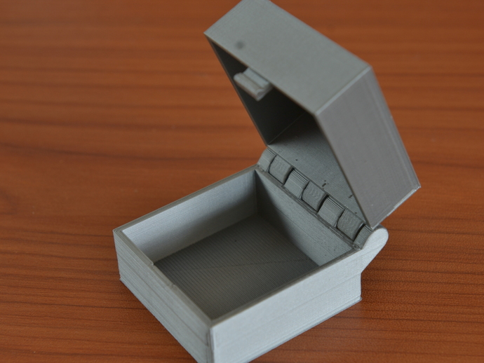 Hinged Box With Latch Somewhat Parametric And Printable