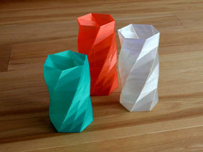 Twisted 6-sided Vase Basic