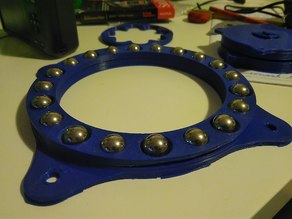 Turntable thrust bearing for 13mm steel balls