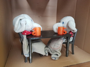 Schnuffels house inventory (Table, chair, .. for stuffed animals/soft toy/puppets)