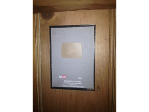 Small YouTube Playbutton