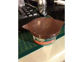 Cat food can lid