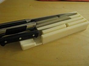 Blade-Enclosing Knife Rack