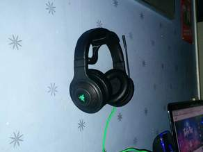 Headset/headphone hanger