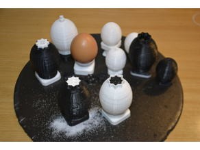 Egglike Salt and Pepper Shakers