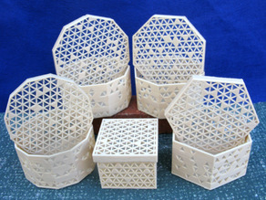 Parametric Boxes with Random Decorations
