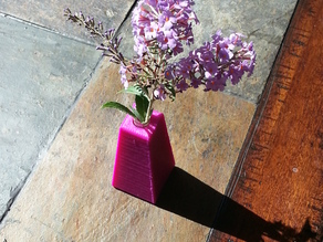 Very simple flower vase