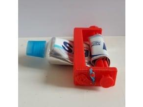Toothpaste squeezer