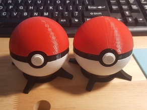 Pokeball, with magnetic clasp (alternate)