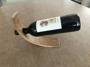 Curved Balancing Wine Holder